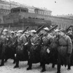 Как проходил парад на Красной площади в Москве 7 ноября 1941 года?